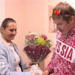 Лилию Шобухову вместе с новорожденной выписали из роддома