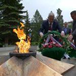 Траурная церемония возложения венков к Вечному огню